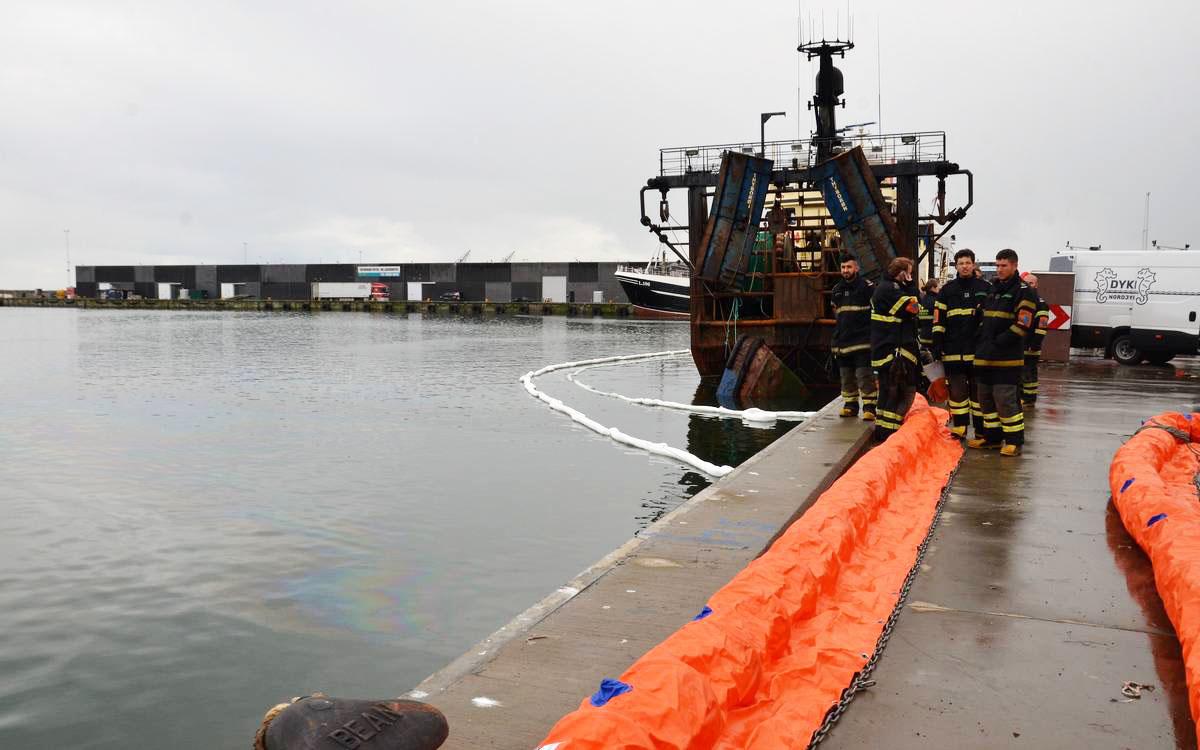 Flydespærring brugt ved havnen