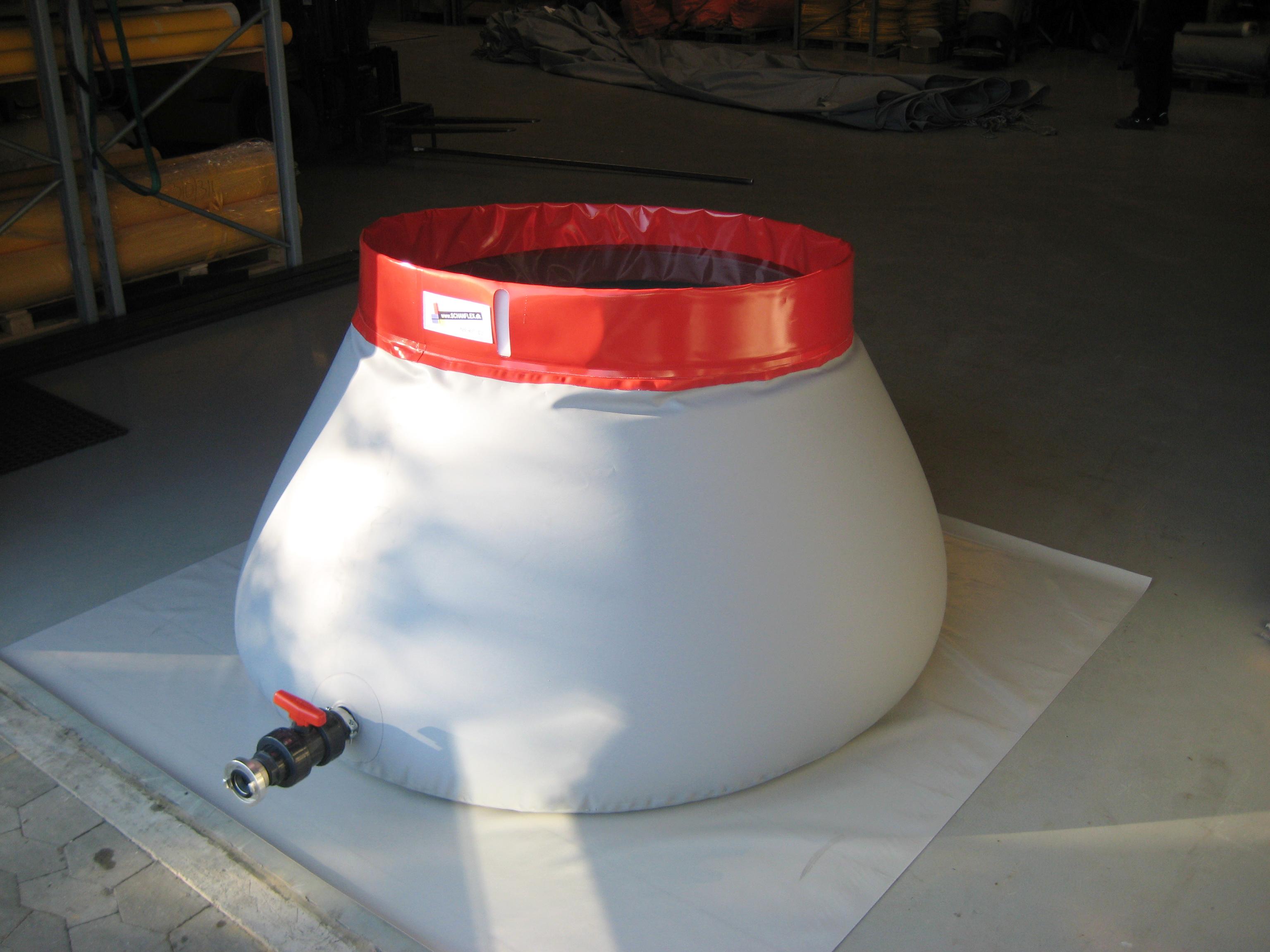 Opsamlingskar med monteret vandudtag