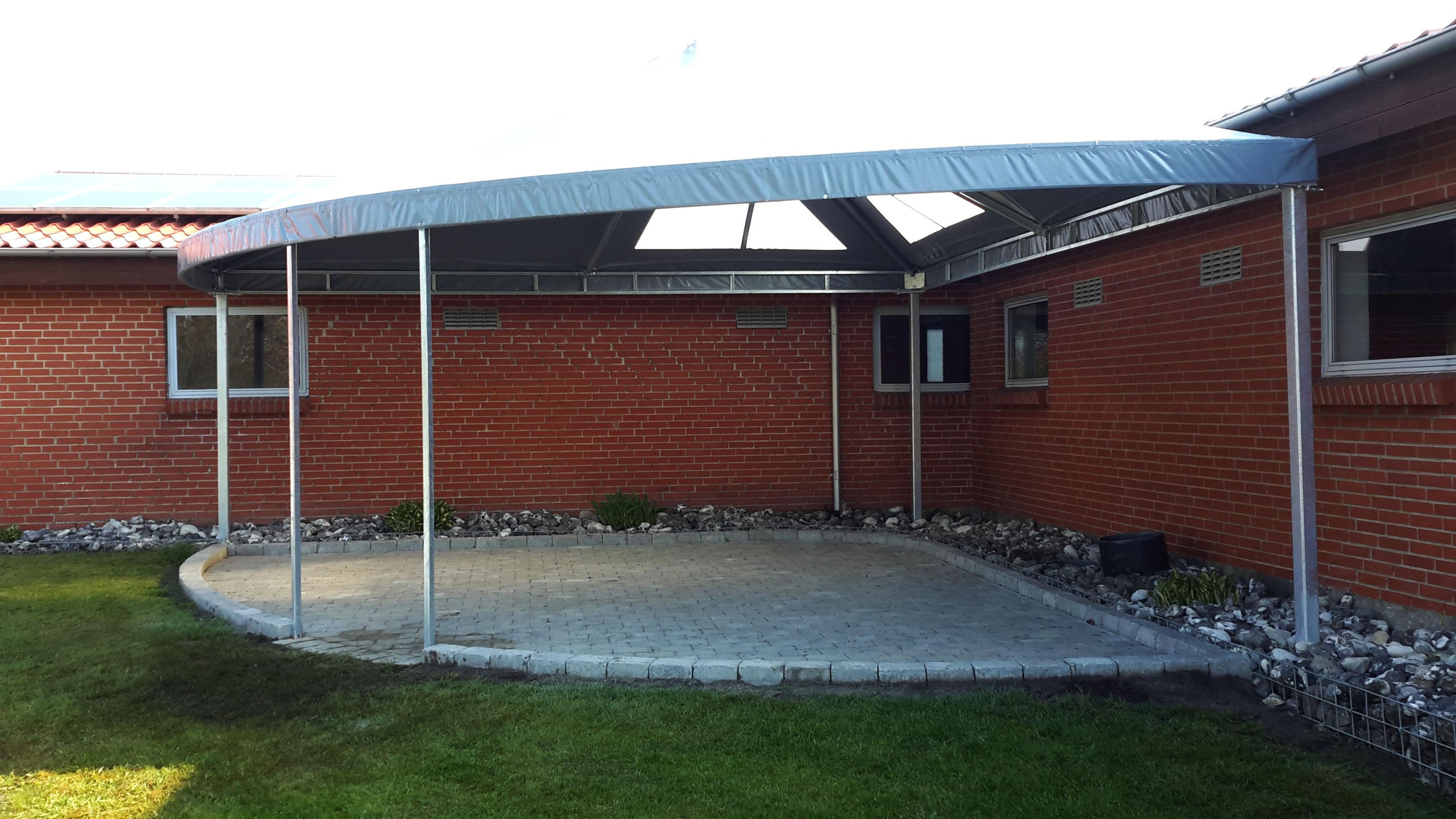 Terrasseoverdækning med jernkonstruktion - lige på