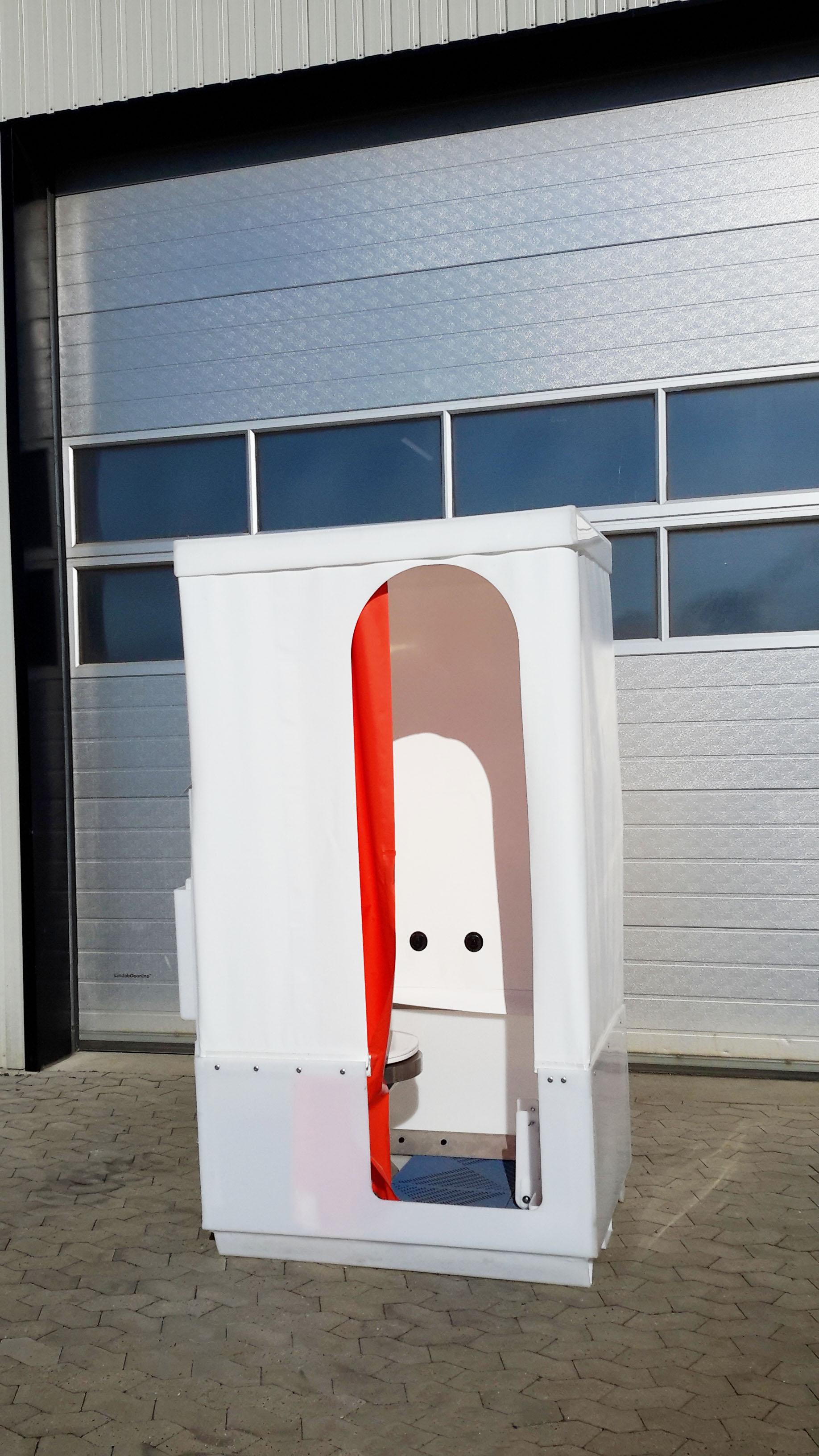 Toiletkabine - lige på