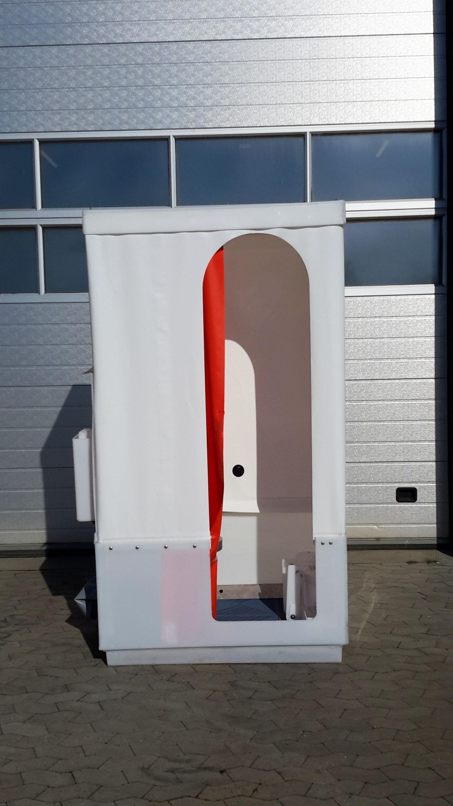 Toiletkabine - set foran